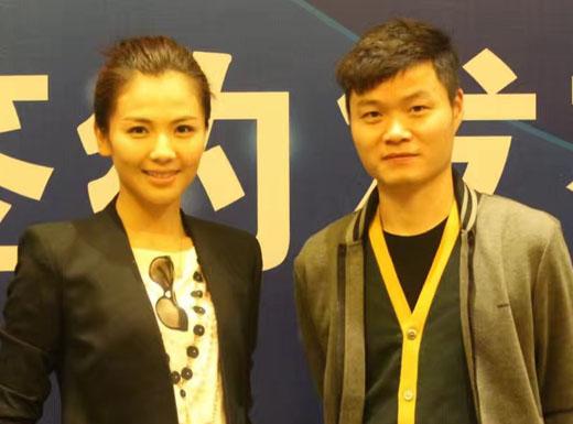 刘涛和潘炜忠合影