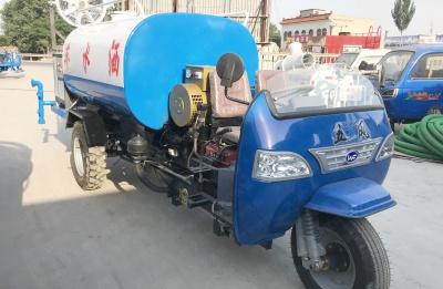 优钢新能源柴油三轮洒水车