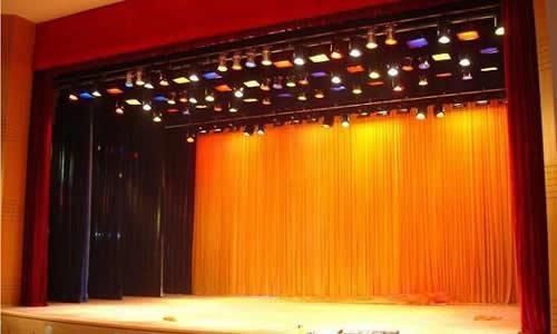 某歌剧院大型舞台幕布案例