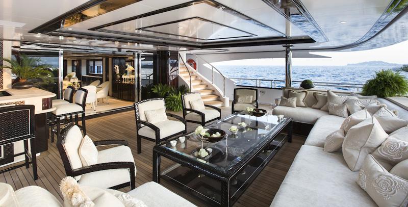 超级游艇Illusion V:年轻家庭的海上宜居场所