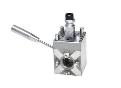 JS-3004 小型手动转向基准夹头