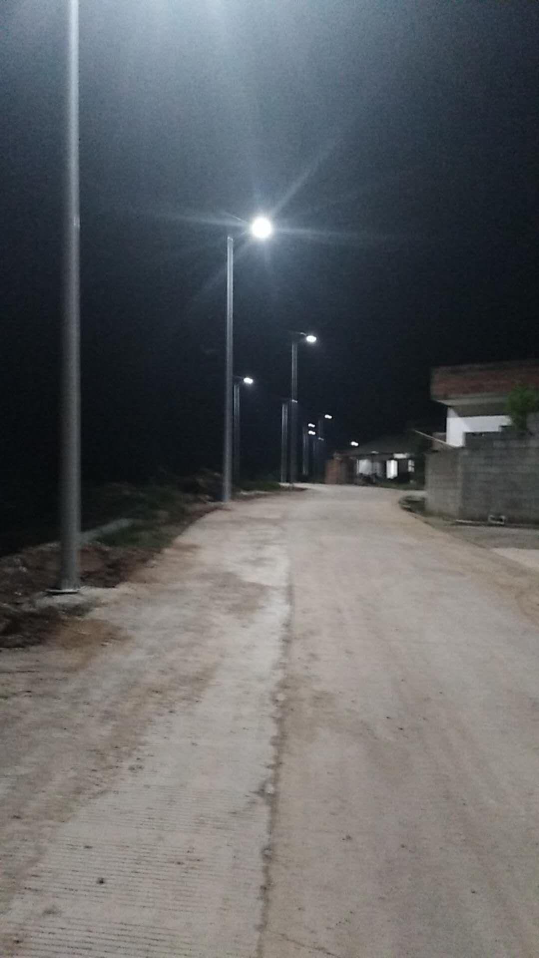 广西贵港太阳能路灯案例