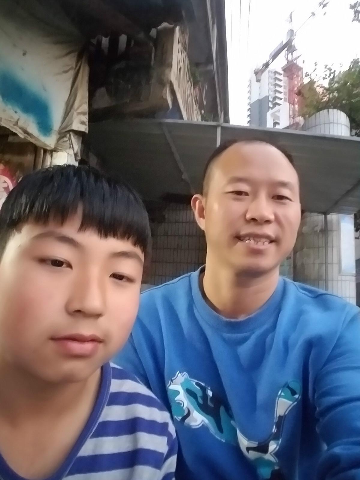 看望张晓阳(陈发琳 市爱心义工社)