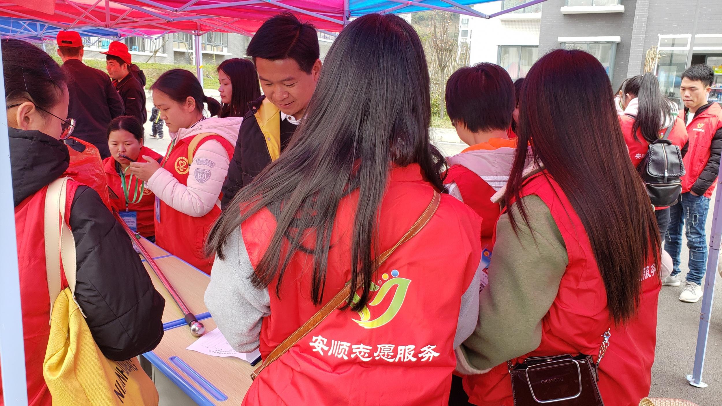 三月:学雷锋日志愿活动(陈发琳 市爱心义工社)