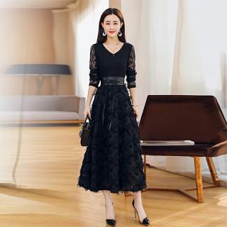 2019春季新款女V领收腰系带中长款修身chic连衣裙