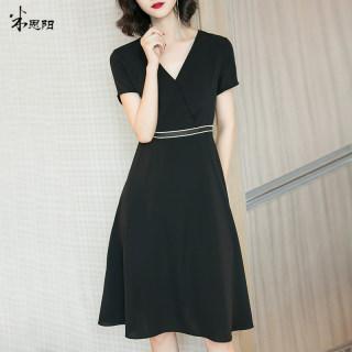 2019夏装新款黑色V领气质小黑裙A字裙收腰显瘦连衣裙