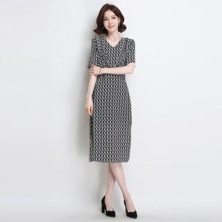 真丝连衣裙女2019夏新款黑白宽松百搭拼色v领系带收腰桑蚕丝裙子