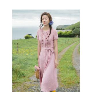 夏装V领绣花配腰带显瘦A字短袖连衣裙