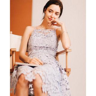 蕾丝吊带连衣裙