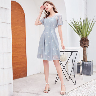 2019夏季新款仙法国小众气质蕾丝雪纺短袖桔梗连衣裙女