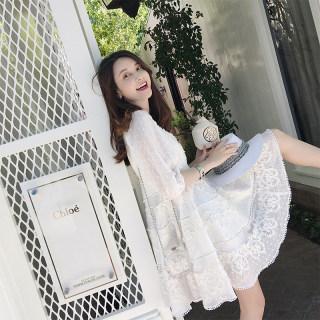蕾丝v领连衣裙女2019新款灯笼袖超仙a字收腰短裙