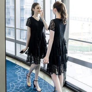 大码女装胖mm气质蕾丝连衣裙2019夏季新品200斤胖公主蛋糕裙