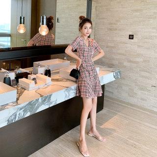 2019年流行夏天裙子格子裙女轻熟风连衣裙气质修身v领荷叶边显瘦连衣裙