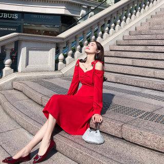2019流行裙子法国复古山本大红色连衣裙女秋季性感吊带裙超仙过膝长裙
