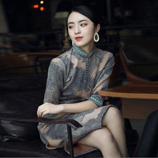 改良旗袍秋装女2019新款印花立领复古风中款旗袍式连衣裙