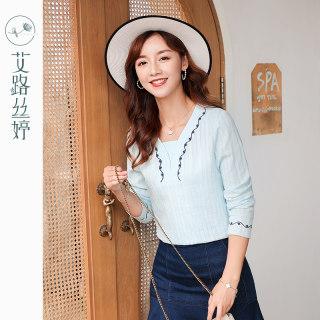 穿衣打扮新款潮流纯棉刺绣长袖T恤女装2019秋装新款韩版V领宽松不规则上衣