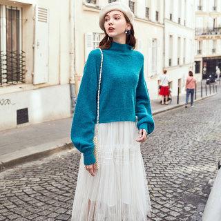 2019冬季新款半高领软奶蓝宽松套头针织衫加长灯笼袖短毛衣女
