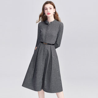 2019冬季新款女简约时尚收腰纯色修身中长款 连衣裙