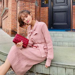 2020新款法国小众粉色针织连衣裙女春秋季维多利亚复古毛衣长裙过膝打底裙