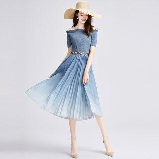 2020夏季新款女优雅大气一字领收腰百褶渐变色连衣裙