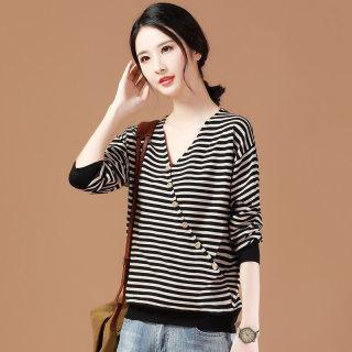秋季条纹针织衫女装2020春季新款宽松V领毛衣韩版长袖打底衫