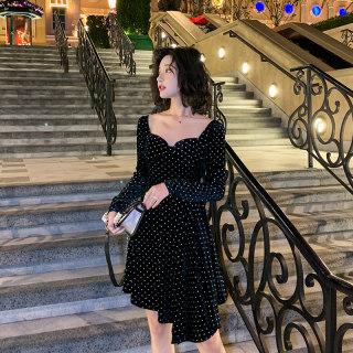 2020春秋黑色方领波点丝绒连衣裙女装新款收腰显瘦小个子打底裙子