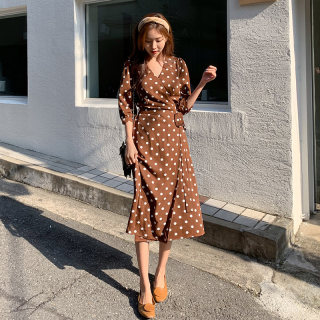2020春装新款韩版女装七分袖收腰波点连衣裙子