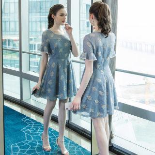 2020大码女装夏季新品蕾丝刺绣时尚连衣裙200斤胖公主宽松裙