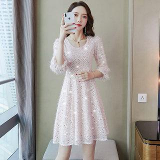 2020春季新款女装连衣裙子重工珠片仙女装v领白色名媛七分袖