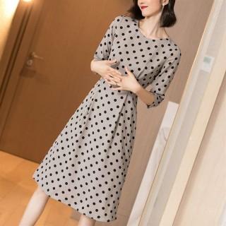 2020春装新款优雅气质休闲时尚法式复古波点收腰修身中袖连衣裙女