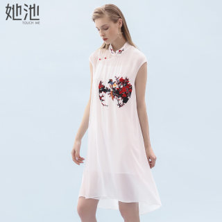 2020春夏新款女装立领无袖盘扣中国风刺绣短款连衣裙