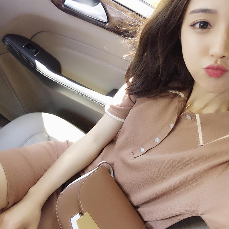 新款韩版学生直筒冰丝连衣裙学院风冰丝针织连衣裙新款韩版修身针织显瘦冰丝连衣裙