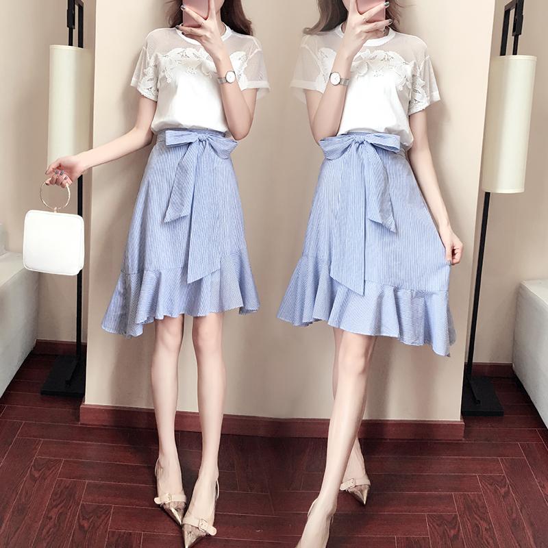 新款秋装韩版条纹套装裙秋装新款条纹不规则荷叶边半身裙韩版新款条纹小香风半身裙套装