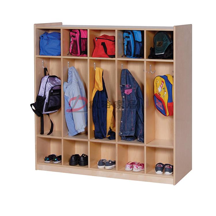 幼儿园衣帽柜儿童书包柜木质鞋服储存柜-佛山戴洛幼儿园衣帽柜定制