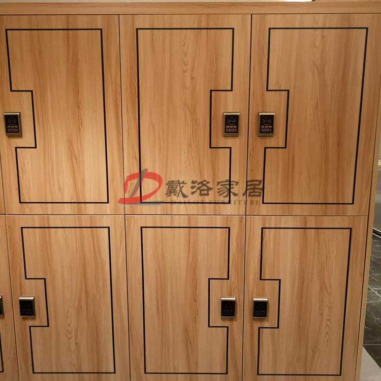 会所更衣柜感应锁平开门木质更衣柜