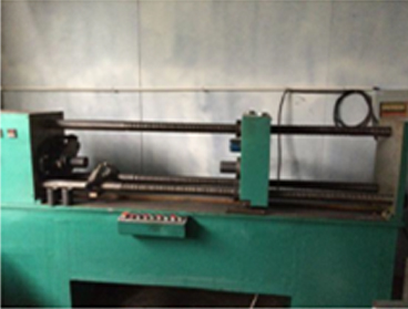 ?Roller assembly machine