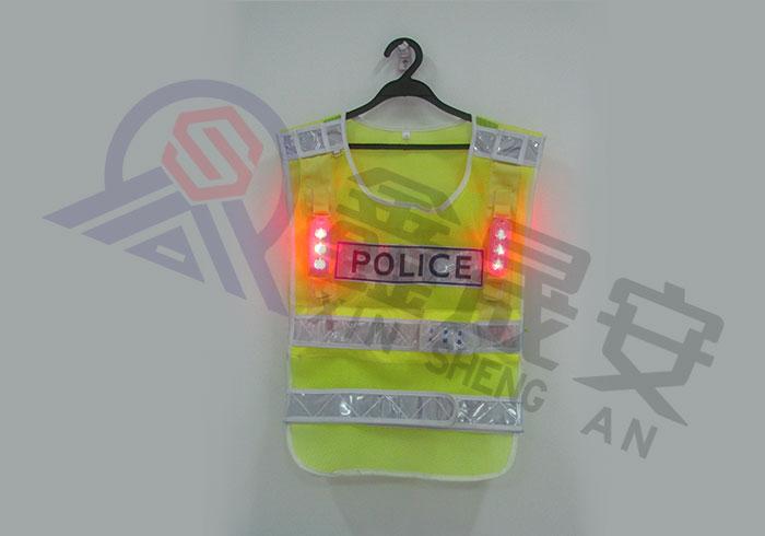 带LED的反光衣