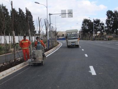 昆明市政道路路面標線施工4