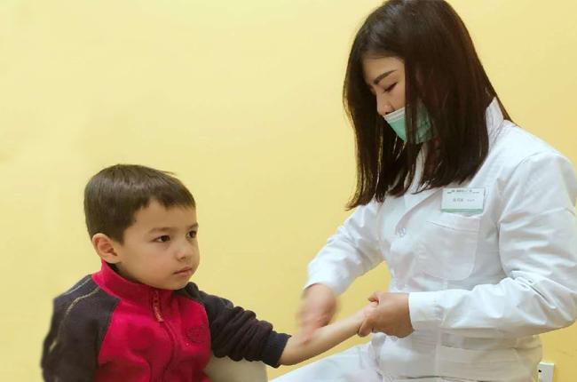 小儿按摩培训的老师介绍与急性胃肠炎中国传统推拿手法