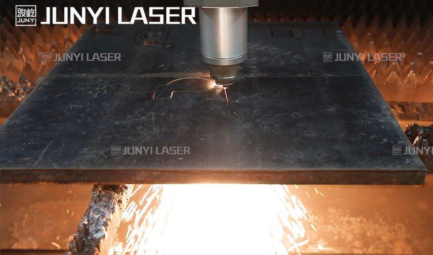 厚板切割●12000W-25mm碳钢切割