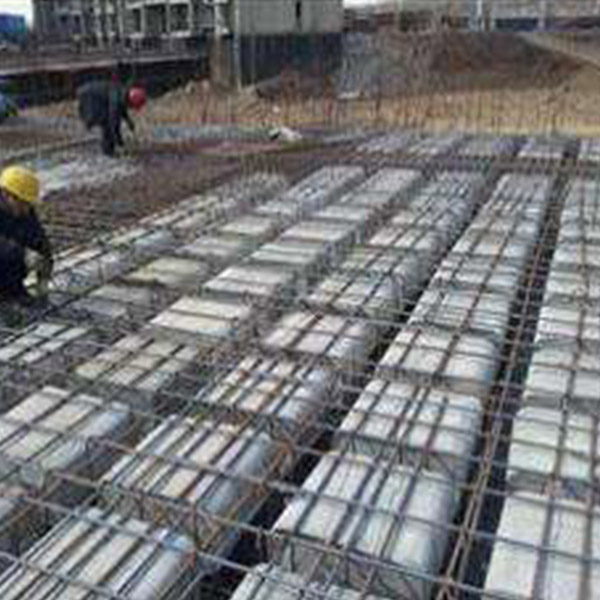 现浇空心楼板混凝土的施工注意事项?