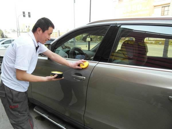 如何保养汽车漆面 保持亮度减少划痕
