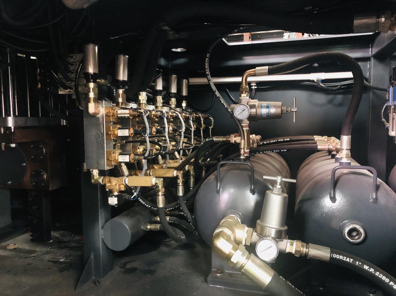 4腔全自动电动伺服吹瓶机