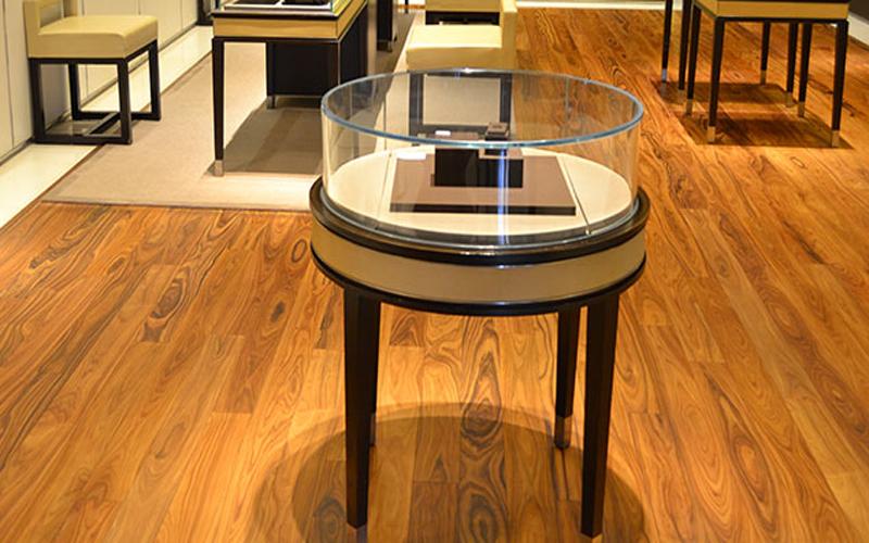 珠宝店玫瑰木原生态上漆实木地板展示