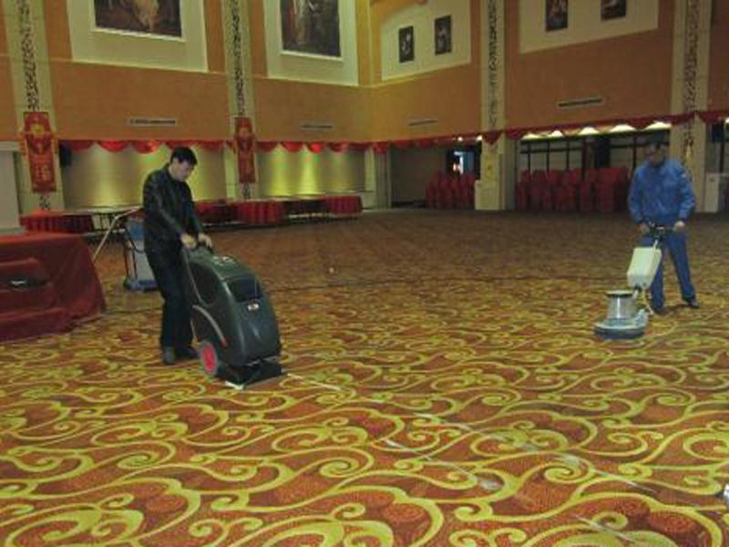 美居装饰网|为何宾馆酒店地板装修都选择地毯作为装修材料