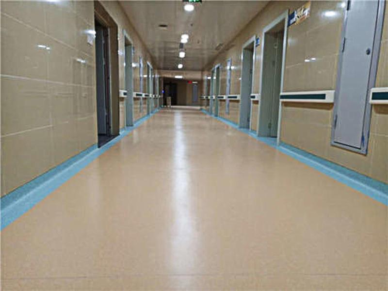 塑胶地板厂家经营过程中具有的优势有哪些