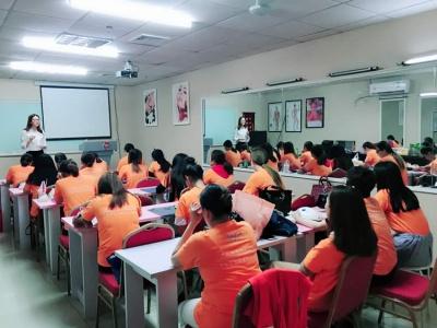 美容师精英班 - 梦莲娜职业培教育