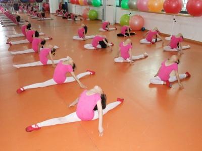 芭蕾舞、现代舞、古典舞、爵士舞、拉丁舞 - 珠海市香洲舞久舞蹈培训中心