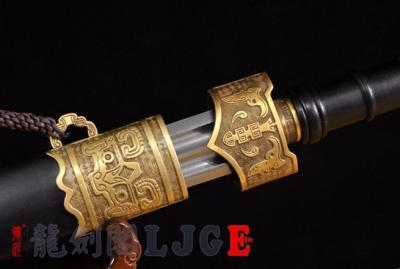 铜装越王剑-百炼花纹钢