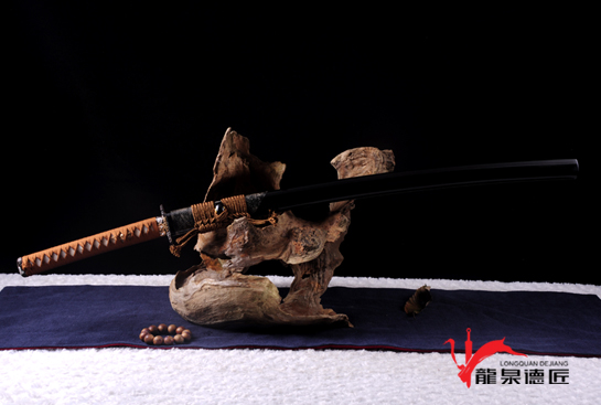 菊一三枚合武士刀